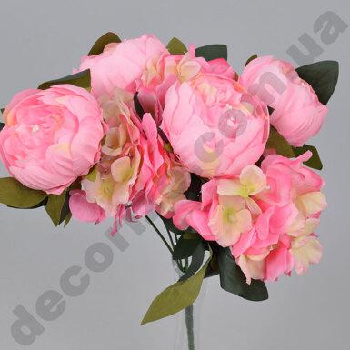букет из пионов и гортензий розовый