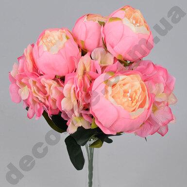 Букет пионов и гортензий персиково-розовый