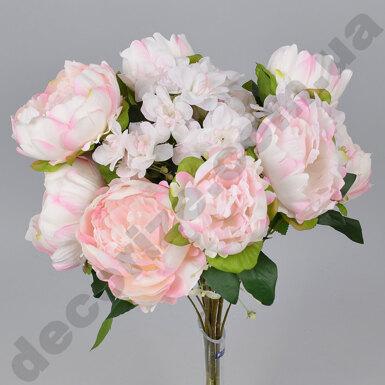 Букет из пионов и азалии нежно-розовый