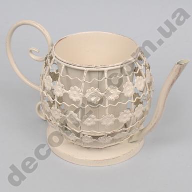 Металлический чайник большой