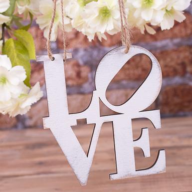 """подвеска  """"LOVE"""" белая"""