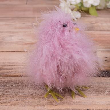 статуэтка курочка из перьев розовая