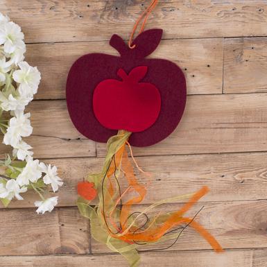 Подвеска яблочко из фетра с лентами (№3)