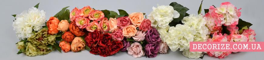 - букети з троянд, півоній, гортензій