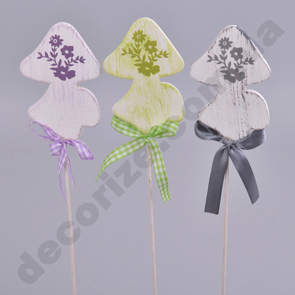 Декор на паличці гриб з квіточками