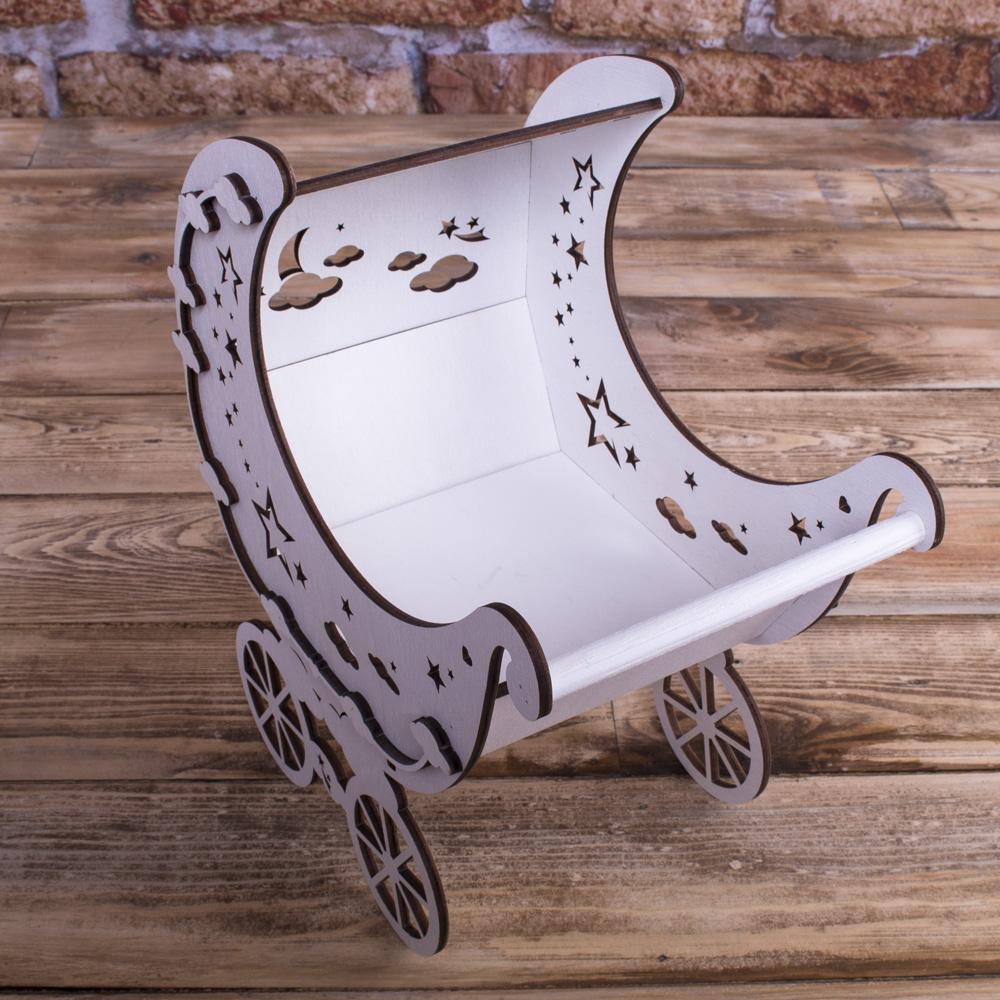 деревянная коляска с звездами