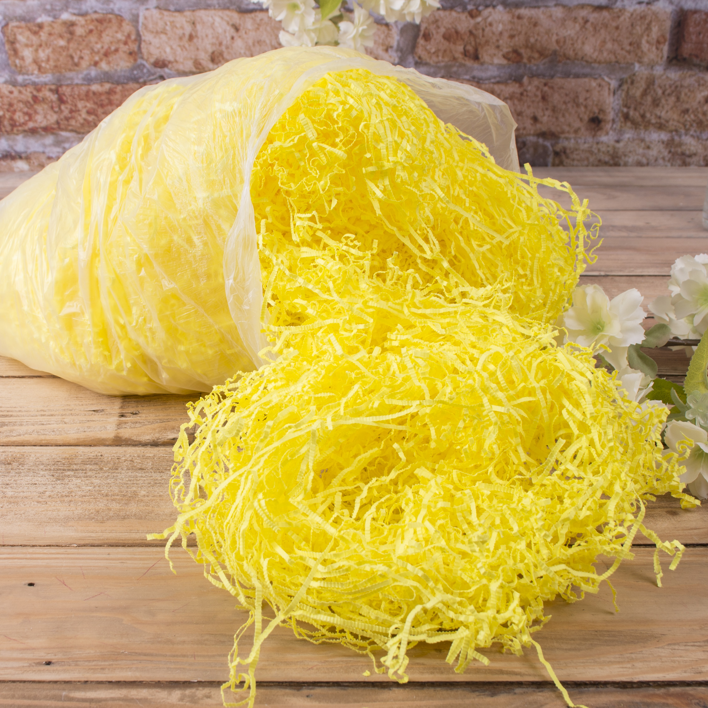 наполнитель - бумага желтая, жатая (200грамм)