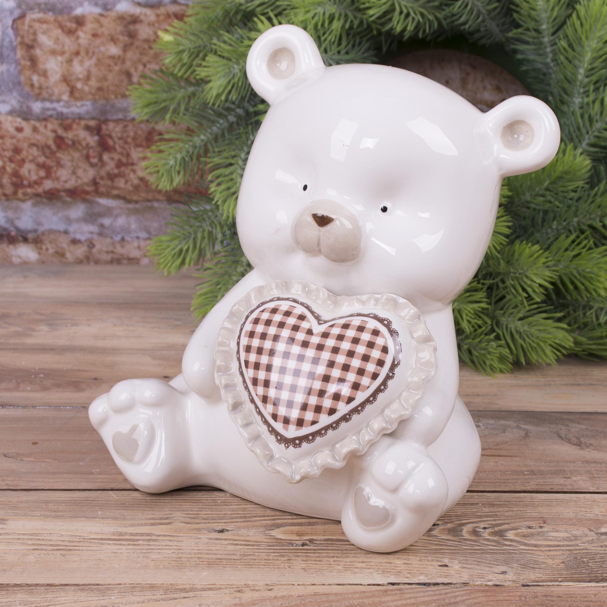 статуэтка мишка с красным сердцем в клеточку 19см