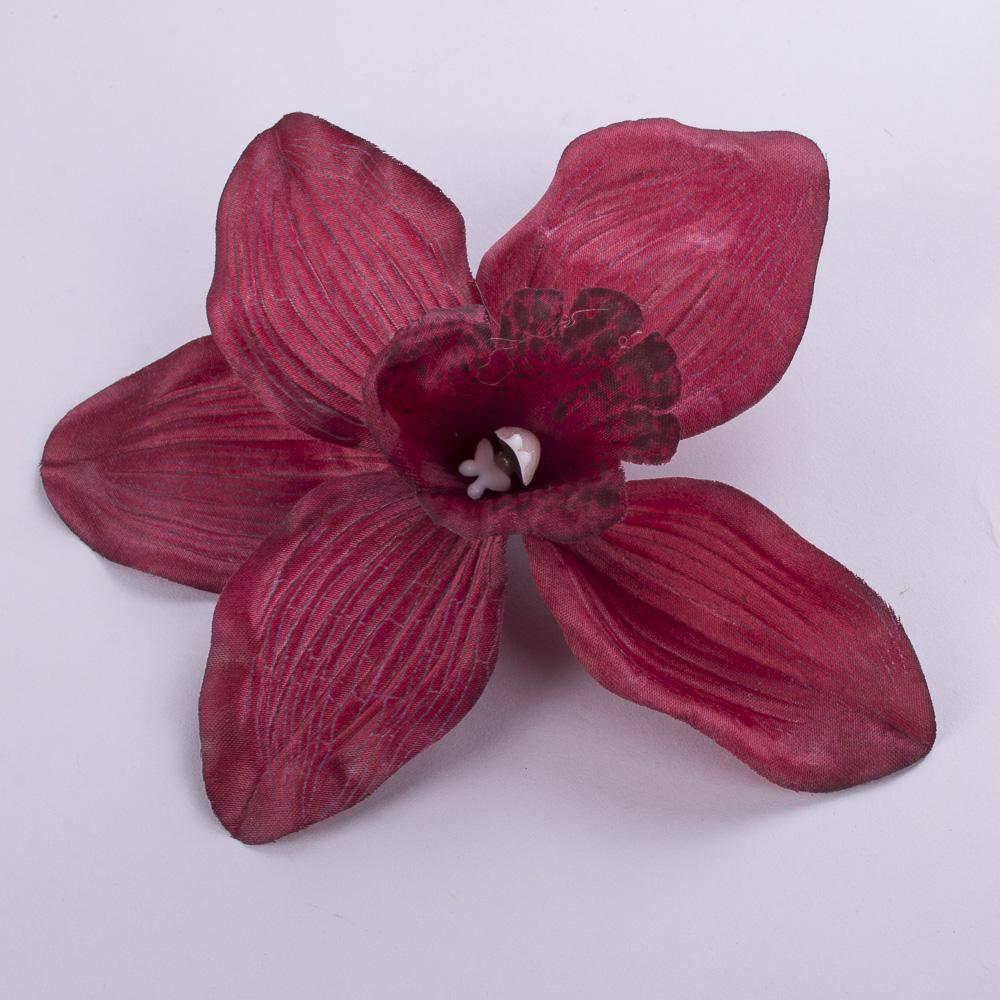 головка орхідеї бордо