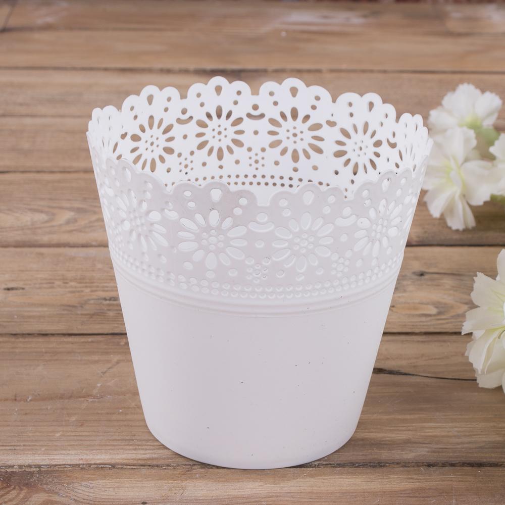 Кашпо из пластика маленькое белое