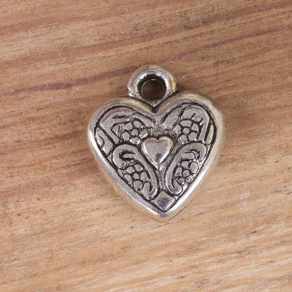 металева підвіска сердечко