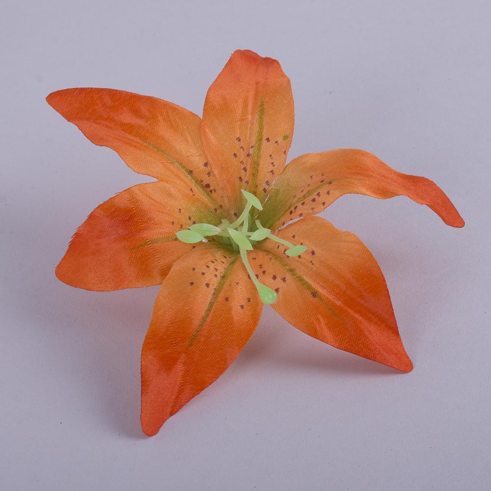 Головка лилии темно оранжевая