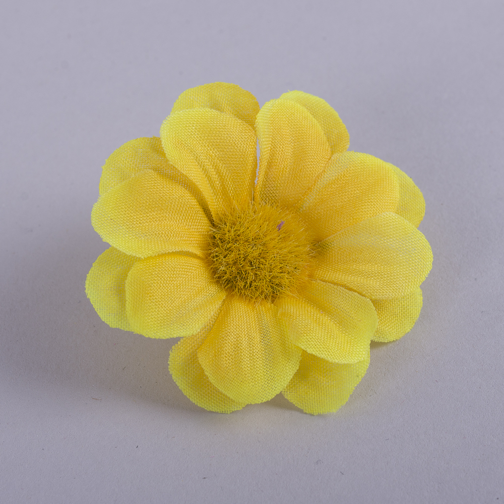 головка ромашки міні жовта