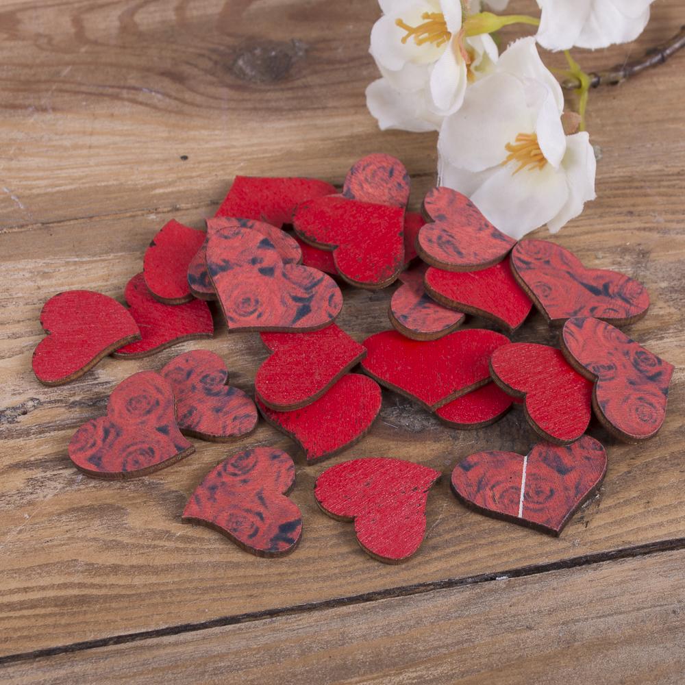красные сердечки с принтом