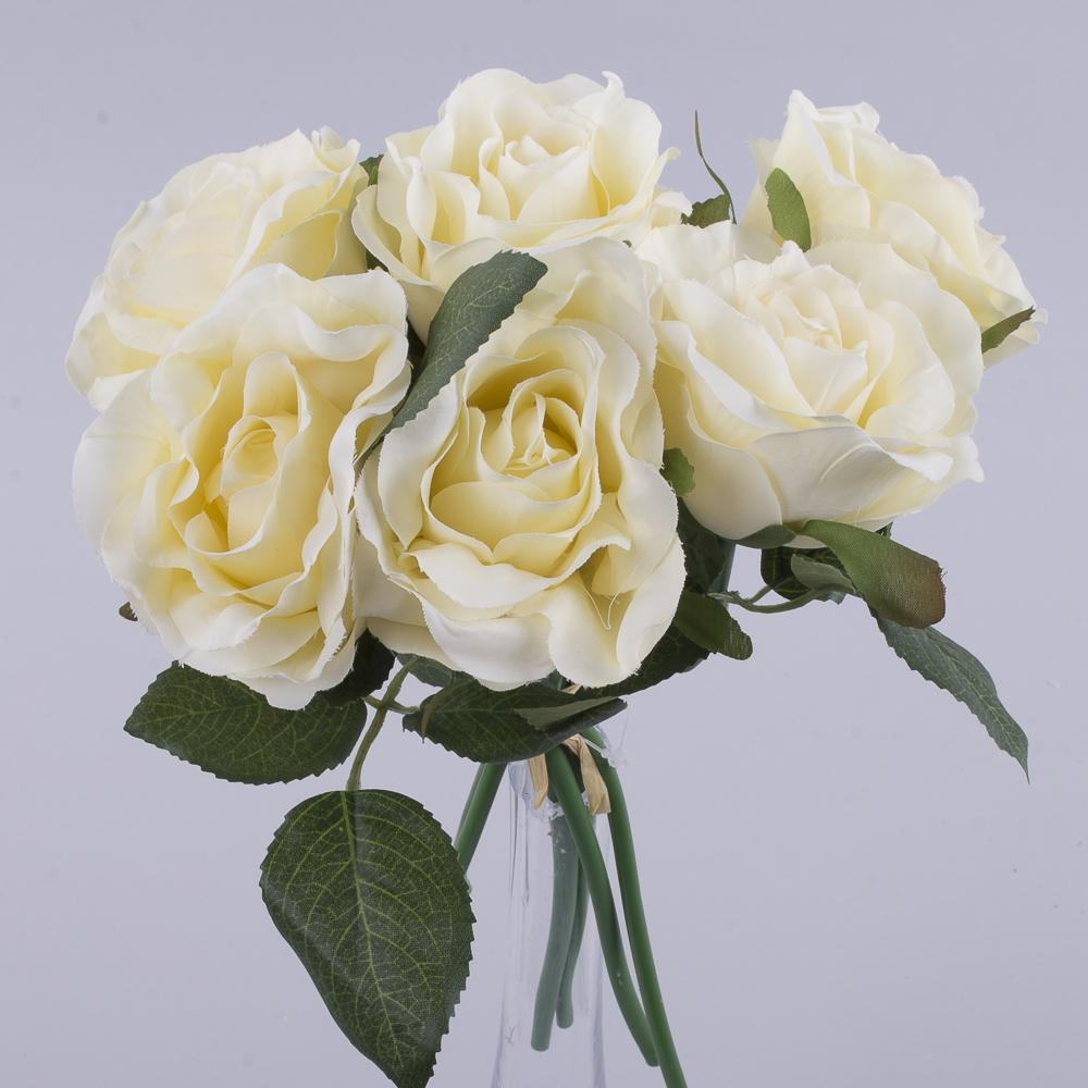 букетик коротких трояндочок кремовий